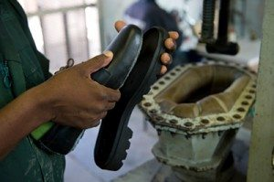 A Zamshu shoe shoe in production